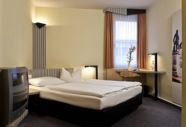 TRYP by Wyndham Halle: Room